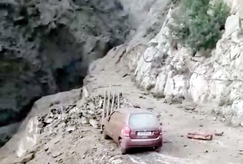 हिमाचल में तबाही की बारिश, नदियों में सिल्ट बढ़ने से बिजली उत्पादन ठप