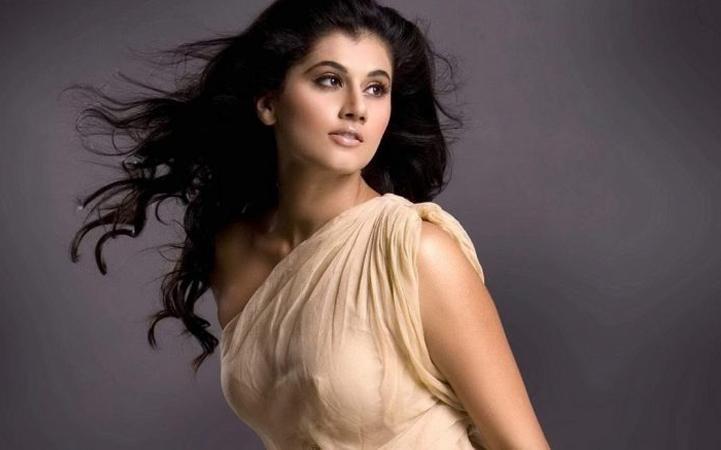 राजकुमार हिरानी की फिल्म में शाहरुख के साथ काम करेंगी तापसी