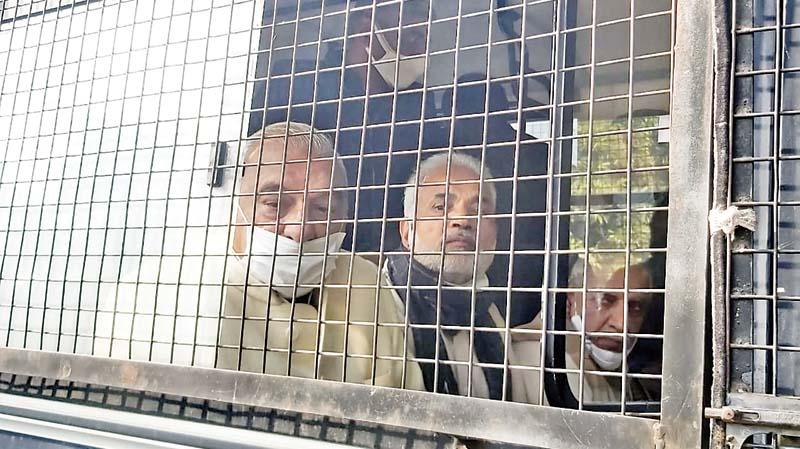 राजभवन घेरने पर कांग्रेस नेता हिरासत में; हुड्डा बोले, हिरासत में ले या गिरफ्तार करे, हम न रुकेंगे, न झुकेंगे