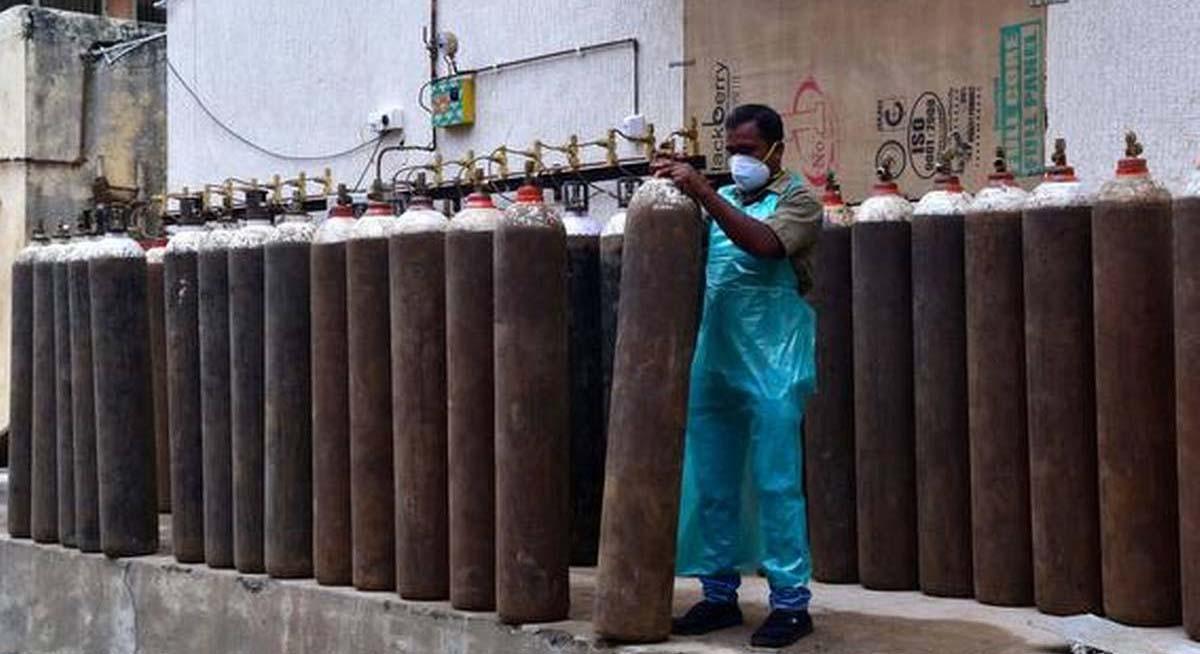 दिल्ली में ऑक्सीजन का गोरखधंधा, खान मार्केट से 425 ऑक्सीजन कॉन्सेंट्रेटर बरामद