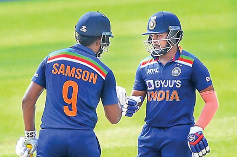श्रीलंका ने आखिरी वनडे में तीन विकेट से हराया भारत, भारत ने दिया था 227 रन का टारगेट