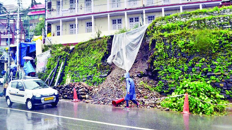 बारिश ने फिर रोकी शिमला की रफ्तार