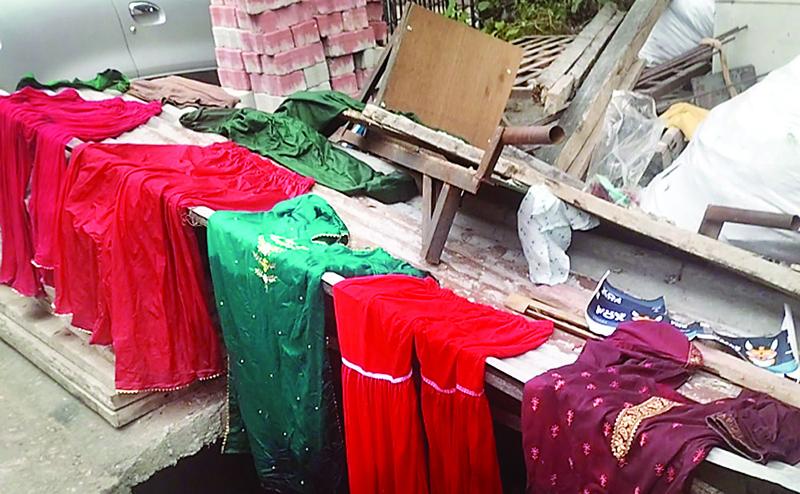 सुजानपुर बाजार में टेलर की दुकान राख